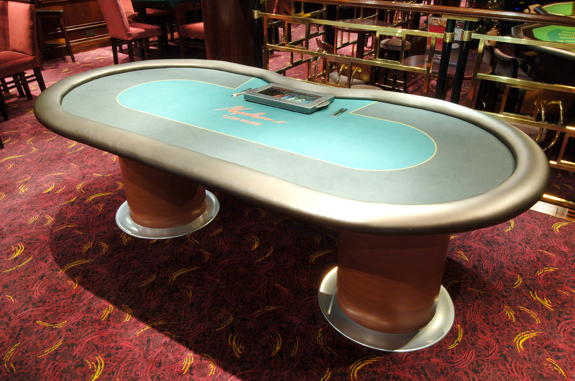 Poker Table with Barrel Base 01